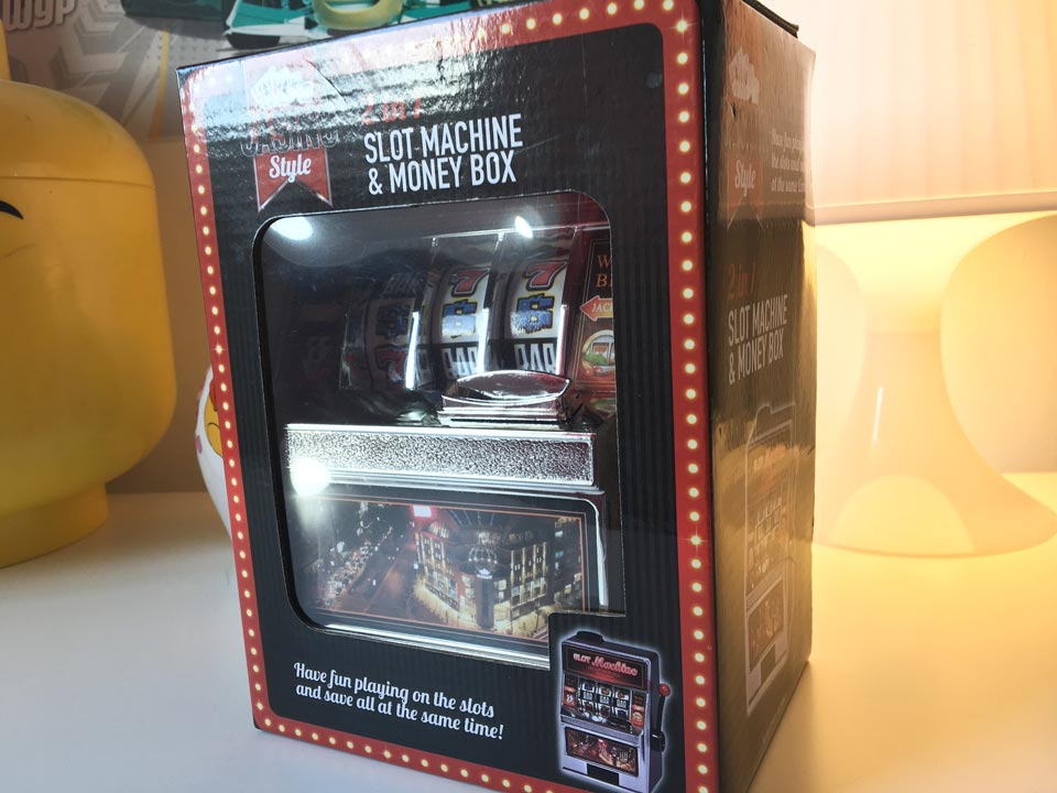2 in 1 slot machine and money box in its box