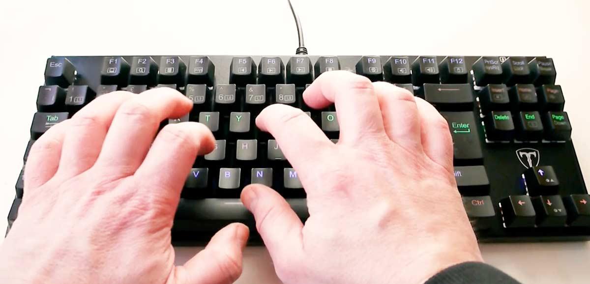 Cheap LED RGB Backlit gaming keyboard review
