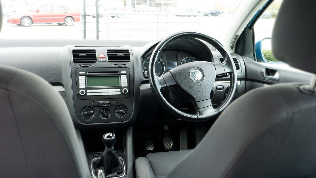 VW Golf Mk V TDi Sport Interior