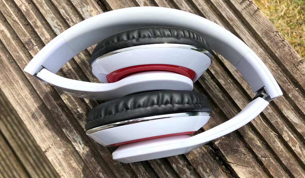 STN-16 Bluetooth Headphones Folded