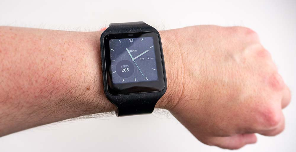 Sony Smartwatch 3 Review - On the wrist